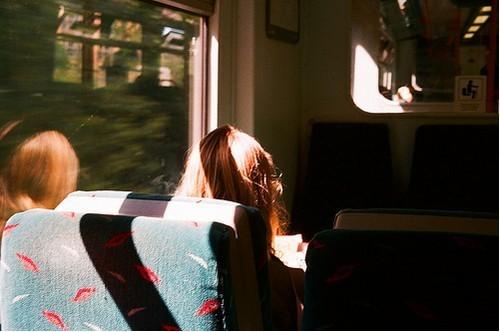 关于欣赏的说说:欣赏个人忧思独伤心,后悔莫及给小三留机会。