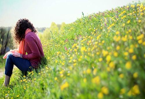 关于优点的说说:人的优点其实就那么几个,是爱你的人包容了你余下的缺点!