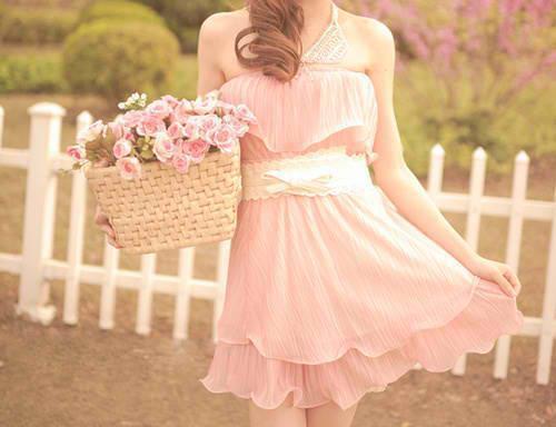 关于忠诚的说说:忠诚的爱情充溢在我的心里,我无法估计自己享有的财富。