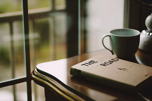 关于立志的说说:2012,最后一天。 2013,别立志减肥了,说的好像瘦了就会有人喜欢似的。@  - 老婆 @  - 刘萍 @  - 银