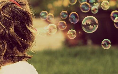 关于天空的说说:天空是绵绵的糖,就算塌下来又怎么样!