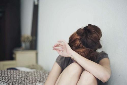 关于忙碌的说说:你最近还好吗是不是也在思念里挣扎,你说会记得我,还记得吗?你最近还好吗忙碌吗累吗心还会痛吗