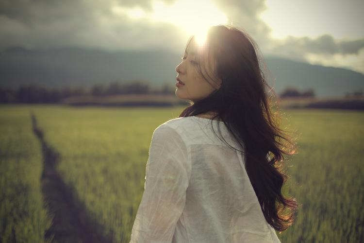 关于忠诚的说说:人总是喜欢用伤心和失落来测试别人的忠诚度,大家都一样