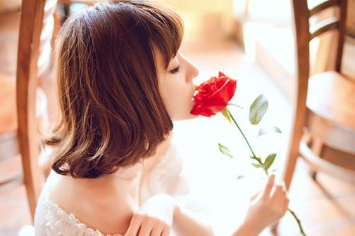 关于心声的说说:安静的听失落的心声.