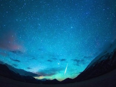 关于一个人的说说:并不是任何情绪,我都能一个人在深夜独自承受过去